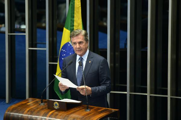 O ex-presidente Fernando Collor (PTC-AL) está associado a cinco empresas que devem 112 milhões de reais, é o líder do ranking de devedores (Foto: Agência Brasil)