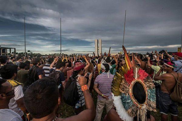 Mobilização Nacional Indígena contra relatório da CPI da Funai e Incra, em abril (Foto: Mídia NINJA)