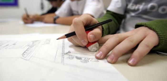 Projeto garante escola em novo endereço para filho de vítima de violência