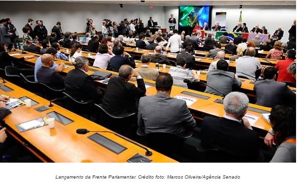 Vendaval neoliberal assolou o Brasil, diz ex-ministro Celso Amorim