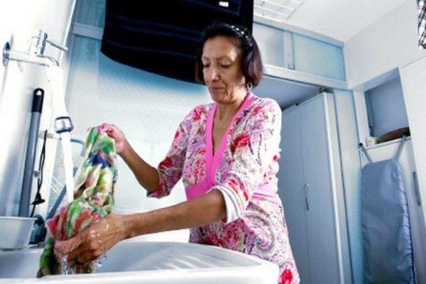 Trabalho doméstico não remunerado vale 11% do PIB no Brasil