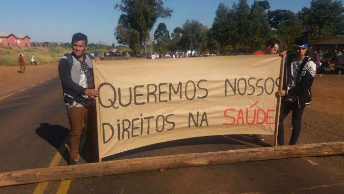 Indígenas Kaingang, Guarani e Xokleng protestam em SC e RS contra má gestão na saúde indígena