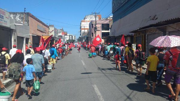 MST ocupa Incra em Maceió