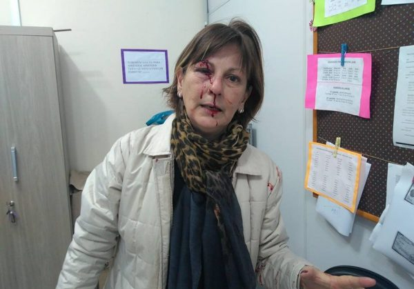 Professora é brutalmente agredida por aluno em escola de SC