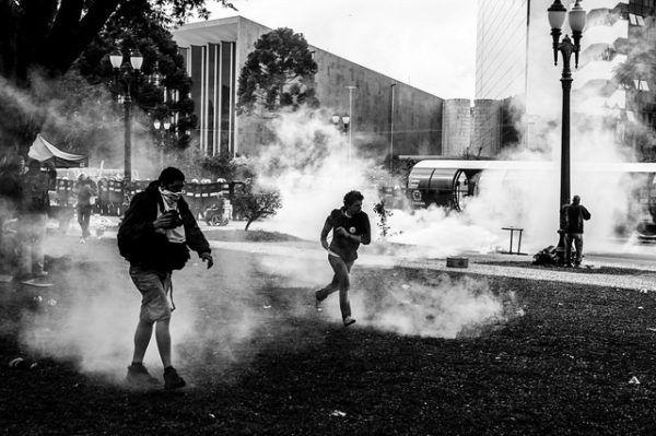 Violência policial motivou ação contra governador Beto Richa e outras cinco pessoas, por improbidade administrativa. |Foto: Leandro Taques