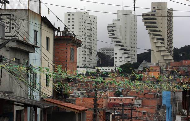 Seis bilionários têm mesma riqueza que 100 mi de brasileiros mais pobres