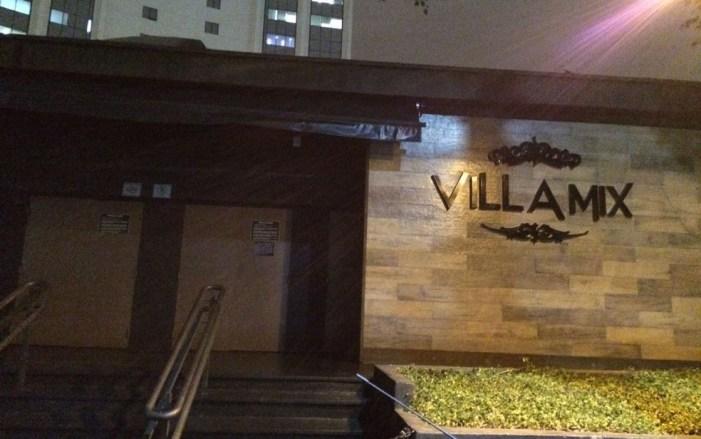 "Hostess mostra fotos onde gerente da Villa Mix questiona entrada de negros: ""Quem liberou?"""