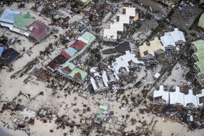 A caminho da Florida, Irma deixa rasto de destruição e faz pelo menos 11 mortos