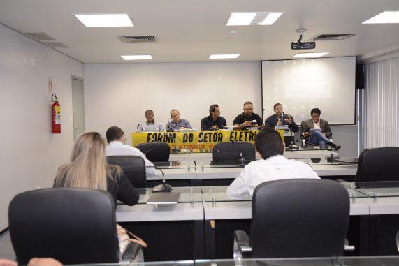 Fórum do Setor Energético debate alternativas à privatização