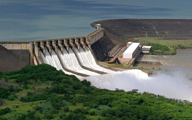 Comissão reage a privatização de usinas da Cemig e aprova suspensão de portaria de leilão