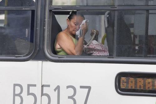 Ônibus com ar-condicionado param de rodar no Rio em mais ataque dos reis do transporte