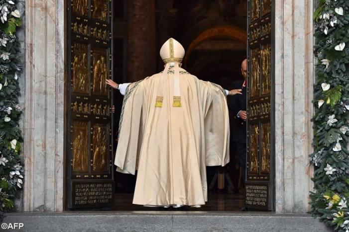 Abrir as portas da Igreja para as mulheres