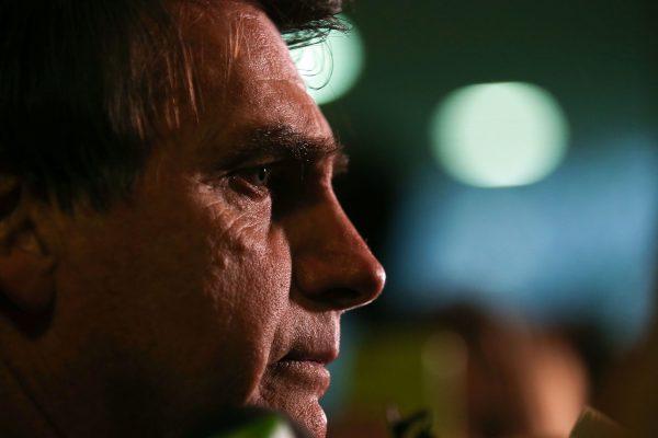 Bolsonaro não denunciou aumento de energia e gasolina