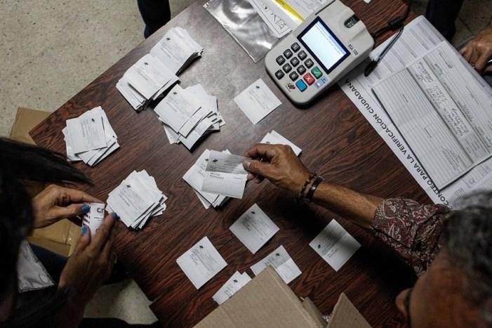 Partido chavista vence em Bolívar e conquista, ao todo, 18 dos 23 Estados em eleições regionais