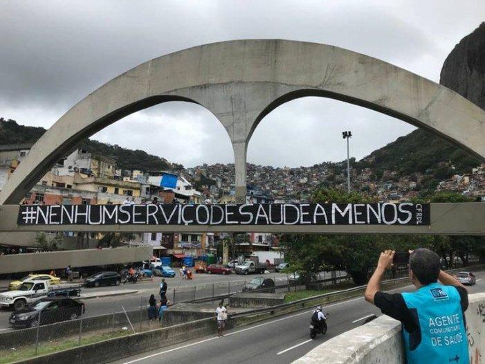 No Rio, moradores das comunidades sofrem com colapso na saúde