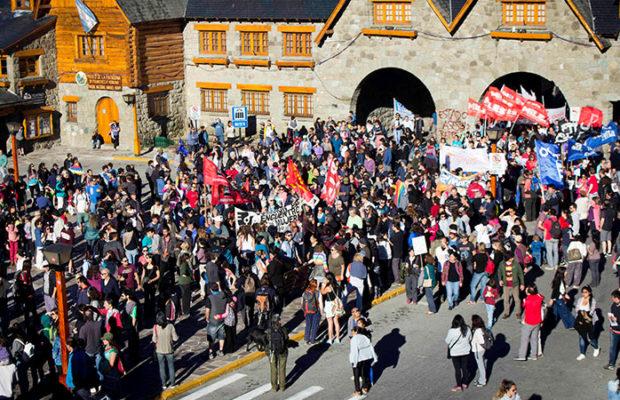 Argentina: Marchas en todo el país por el asesinato del weichafe mapuche Rafael Nahuel