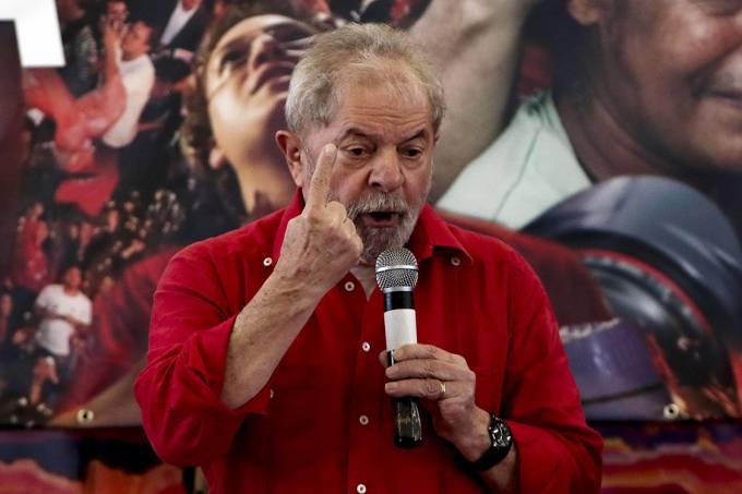 PT planeja protestos permanentes em caso de condenação de Lula