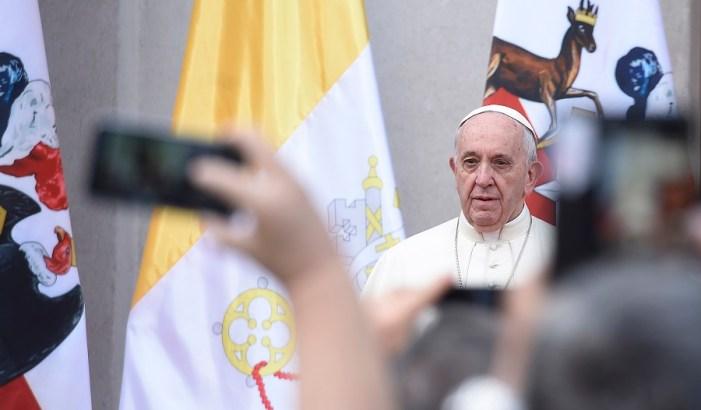 Papa Francisco pede 'perdão' por crimes de pedofilia cometidos por membros da Igreja no Chile