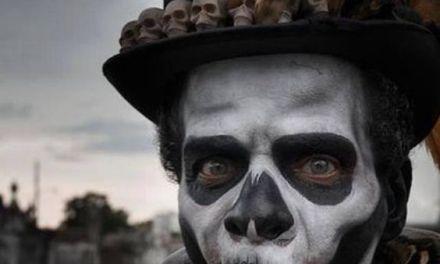 El muerto disfrazado de vivo