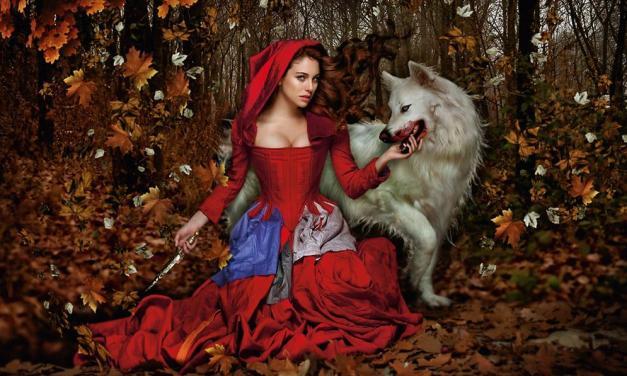De Caperucitas y Lobos