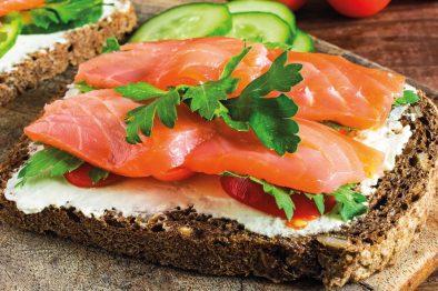Restaurant-De-Sallandse-Berg-Salade-Zalm-Broodje