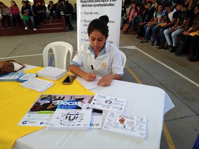 Creando Oportunidades Laborales para Amatitlán #UnaOportunidad