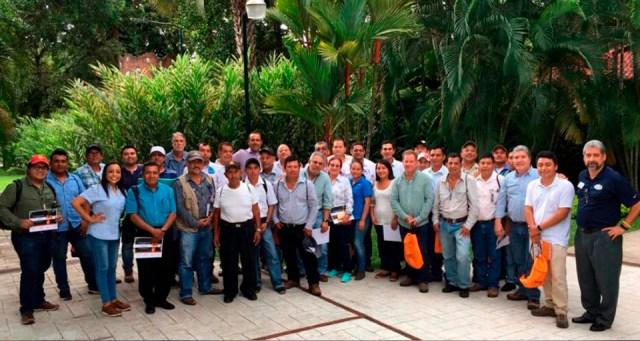 100 productores de mango intercambian experiencias para aumentar la exportación de este fruto