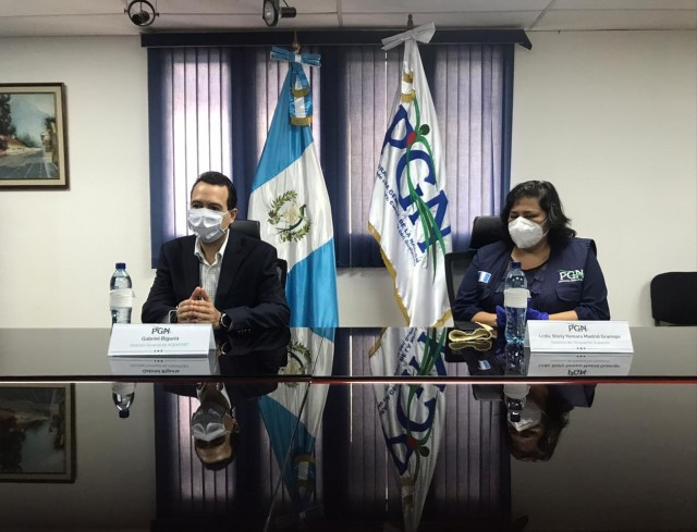 """""""Protegiendo a los Héroes"""" de AGEXPORT entrega mascarillas a la Procuraduría General de la Nación"""