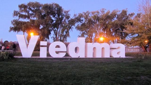 Letrero de Viedma