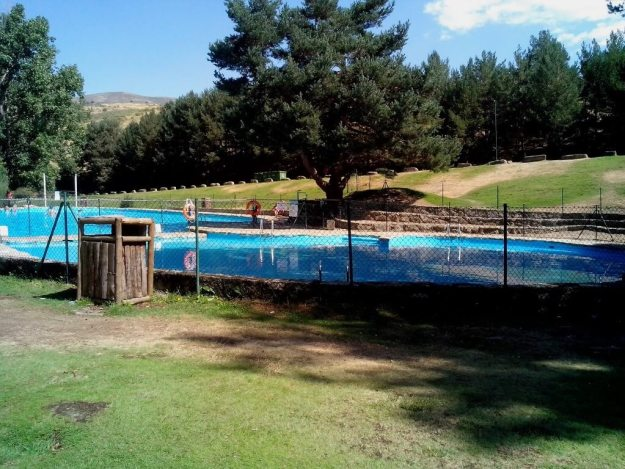 20 piscinas naturais perto de madrid desbravando madrid for Piscina natural navaluenga