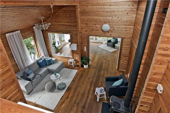 foto houten huis 3 woonkamer 2