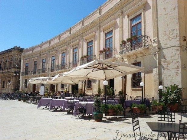 Cafés da Piazza Duomo, em Ortigia