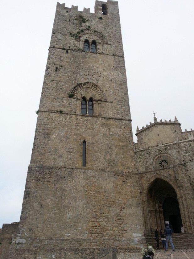 Torre do Rei Frederico e a Catedral de Erice