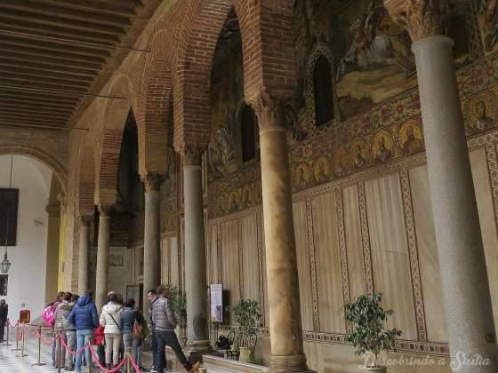 Fila para entrar na Capela Palatina
