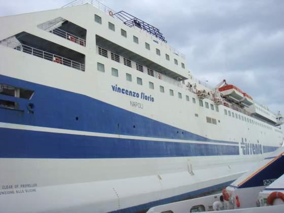 Navio Nápoles-Palermo