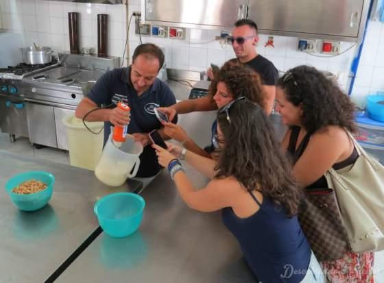 Amêndoas de Avola: Fazendo o leite de amêndoas