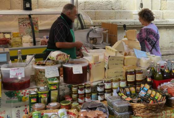 Mercado de Ortigia: a vida cotidiana
