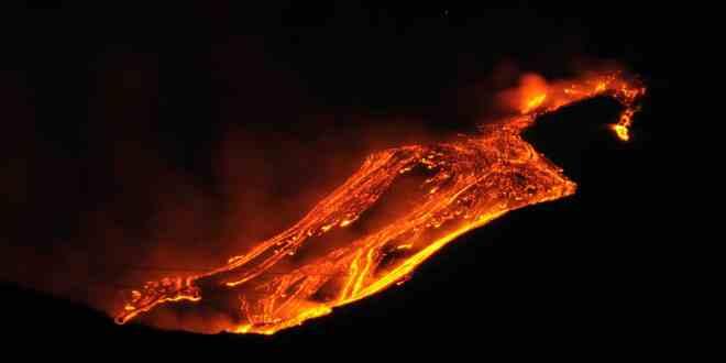 Erupção do Etna - Foto: Gnuckx