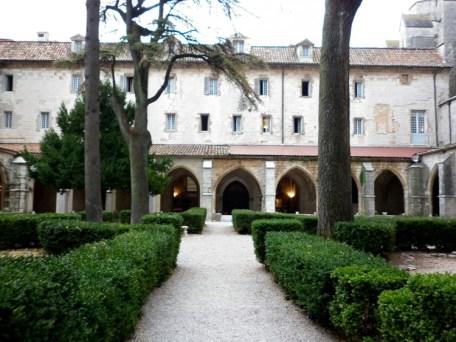 Em Saint Maximin, um hotel convento
