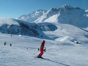 ski 679865 640 - ski-679865_640