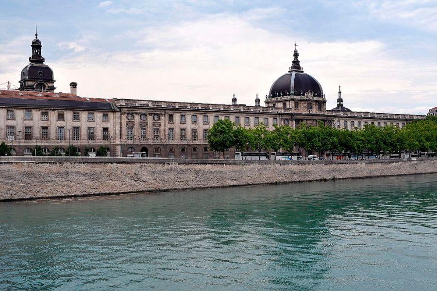 Antigo Hotel Dieu e futura Cité de la gastronomia em Lyon