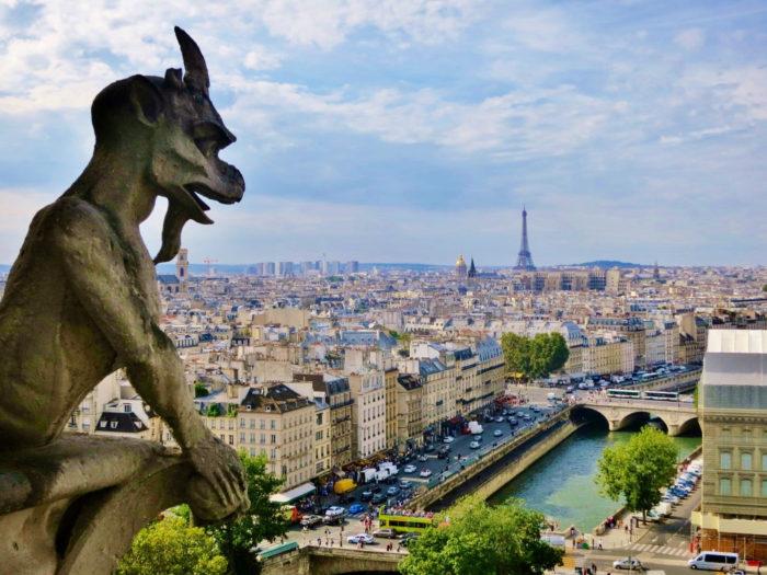 Torres-da-Catedral-Notre-Dame-de-Paris-Viajoteca