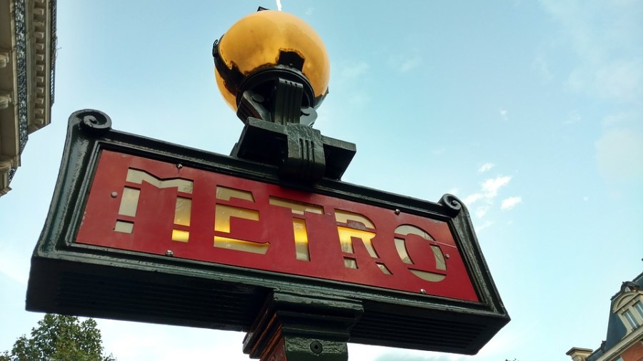 A língua francesa, frases e expressões úteis para sua viagem, metro