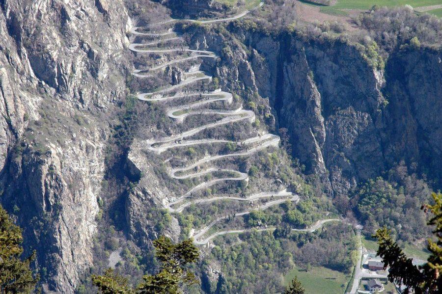 As 10 estradas mais bonitas da França, Cadarços de Montvernier