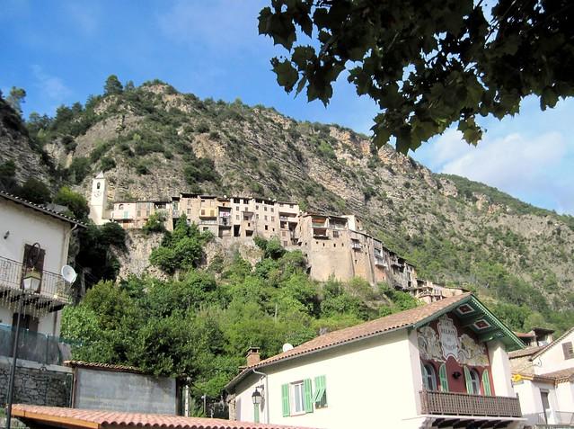 Vilarejo medieval Touët-sur-Var na França