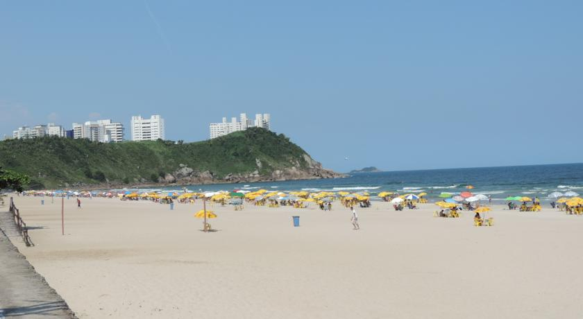 Hotéis na Praia do Tombo no Guarujá