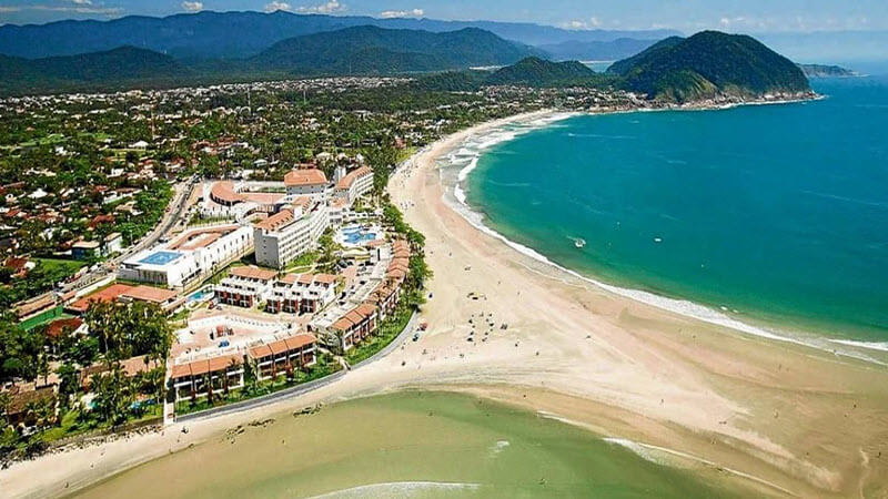 Hotéis na Praia de Pernambuco em Guarujá
