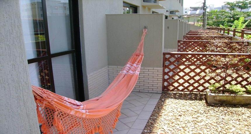 Varanda com Redes do Hotel Ilhas do Caribe Enseada Guaruja