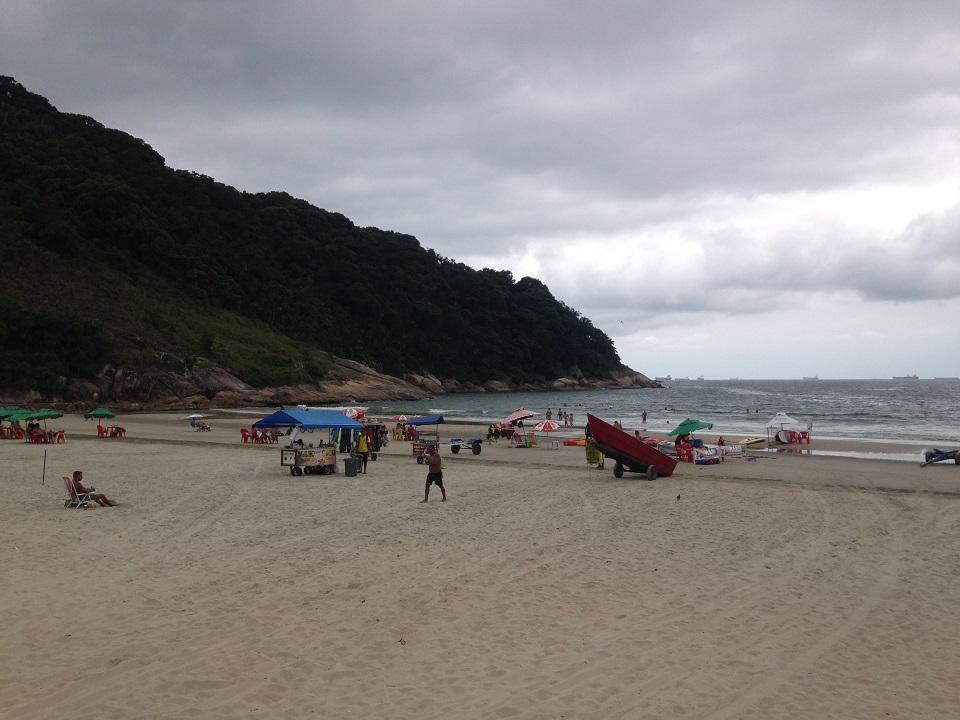 Praia do Guaiuba em Guaurjá SP - Lado Esquerdo Praia