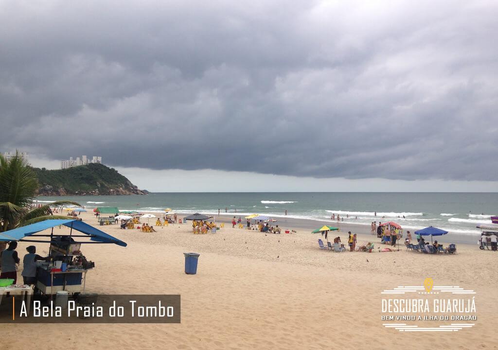 Vista da Praia do Tombo em Guarujá SP